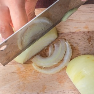 how to get rid of onion smell from hands