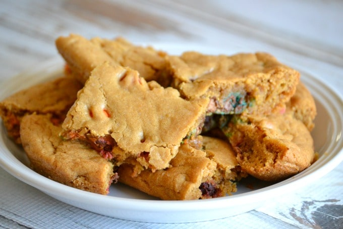 M&M's® Crispy Rainbow Blondies
