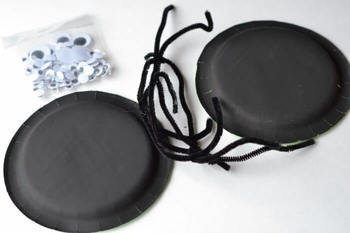 materials for paper plate spider