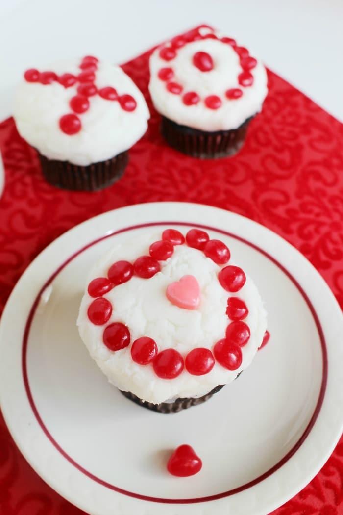 XO Valentine Cupcakes 1