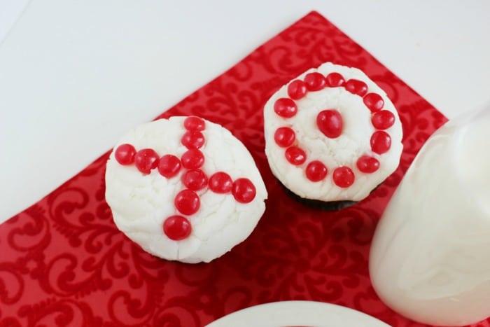 XO Valentine Cupcakes 2