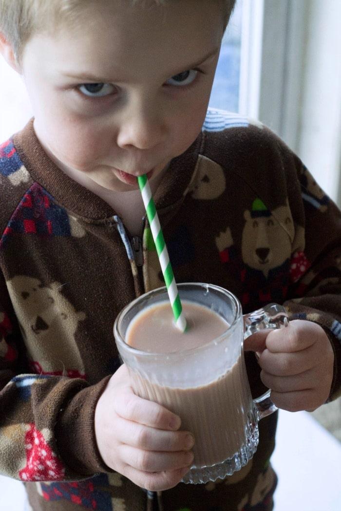 kiddo-drinking-nesquik