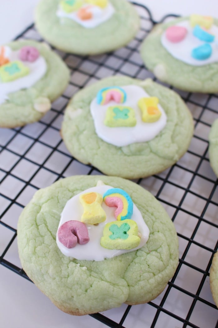Lucky Charms Cookies - a kid-friendly St. Patrick's Day recipe!