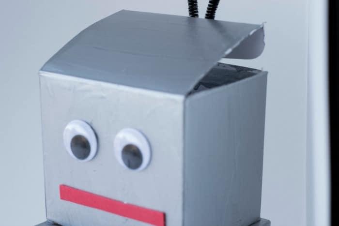 robot valentine box head open on top