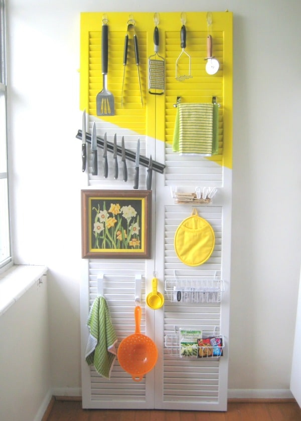 15 clever ways to get rid of kitchen counter clutter glue sticks and gumdrops - Simple ways of keeping your home organized using magnetic picture frames ...