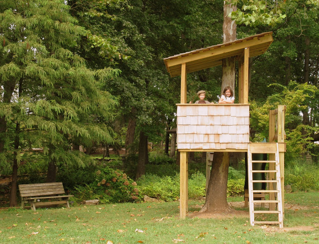 13 tree houses your kids will beg you to build glue for Easy to build tree houses