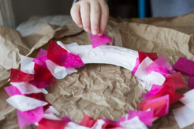 paper plate valentines wreath process 1
