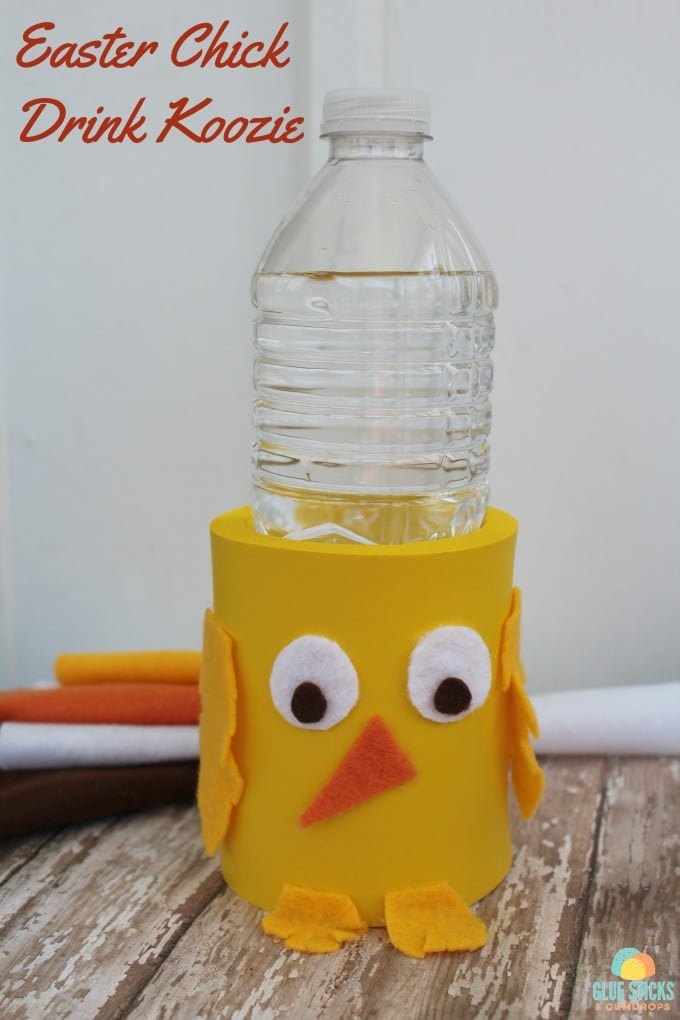 Fun Easter kids craft - a yellow chick drink koozie!