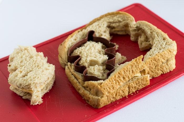 cookie cutter sandwich crust remover