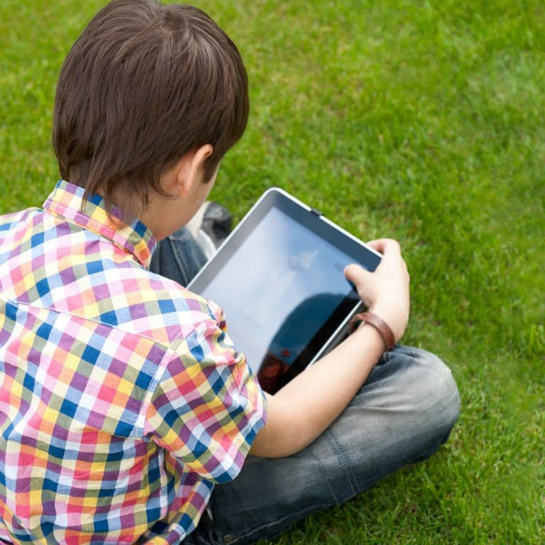 6 Tips to Limit Your Child's Screen Time