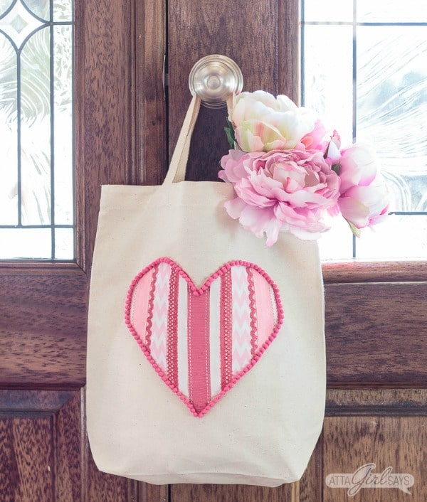 tote bag with ribbon heart