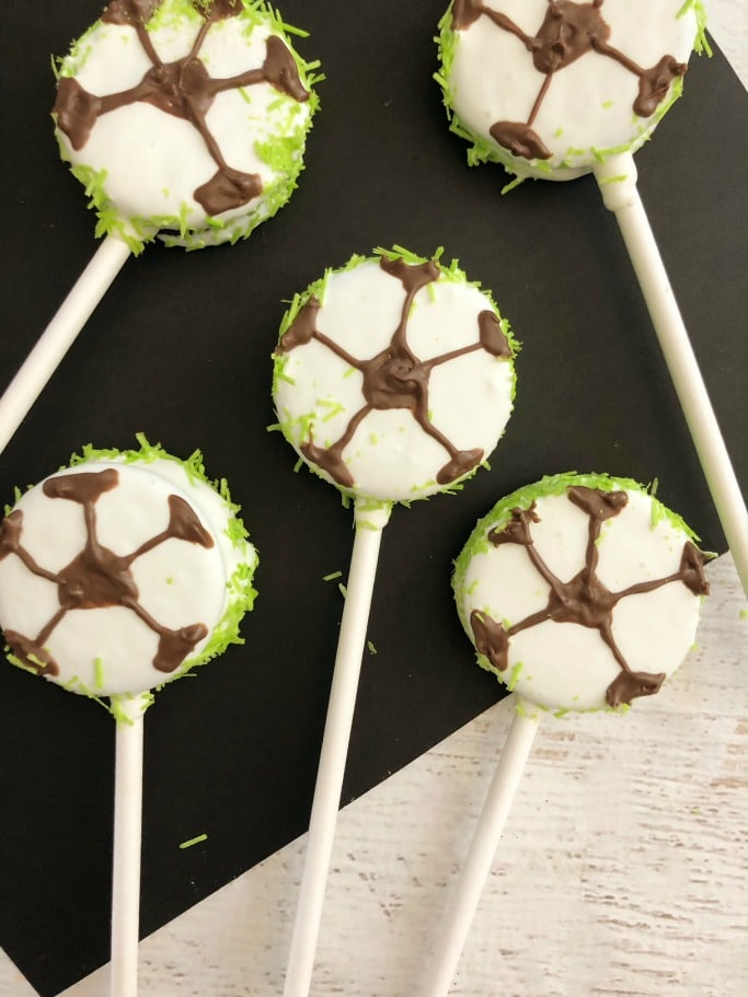 Soccer Oreo Pops Team Snack Idea