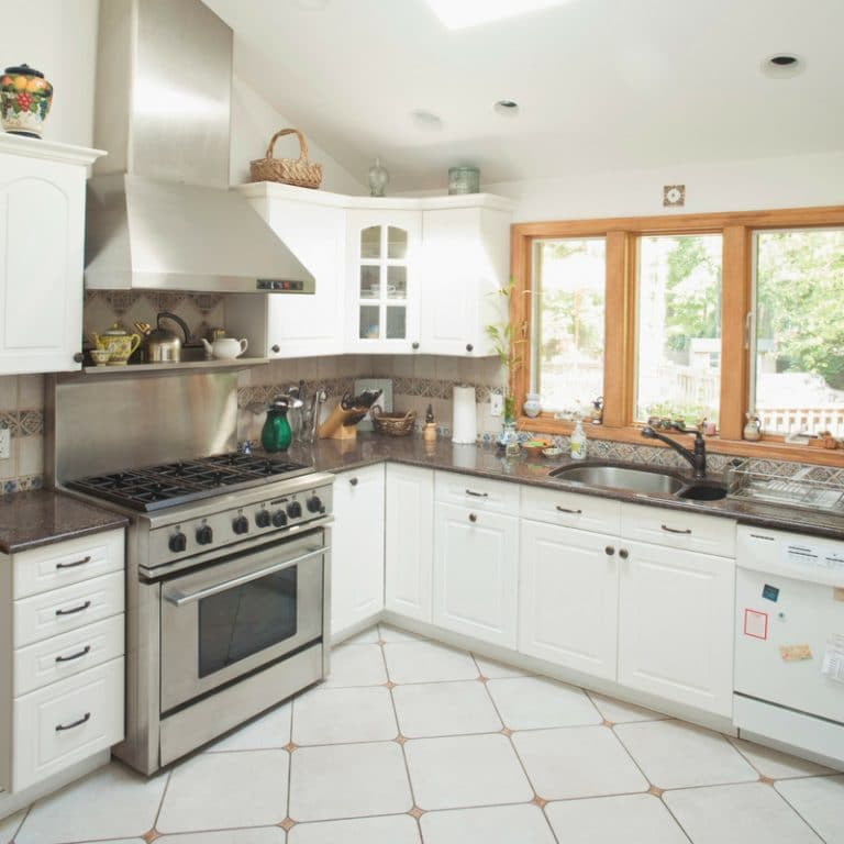How to Clean Kitchen Cabinets Like a Pro