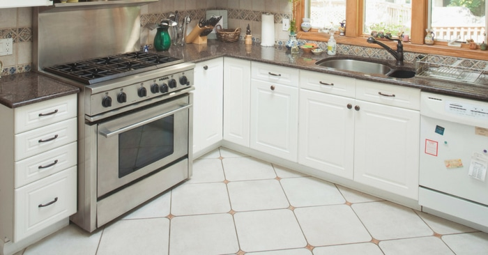 how to get grime off kitchen cabinets how to clean kitchen cabinets to get rid of grime and clutter 16988