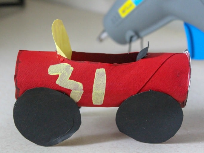 toilet roll car craft step 7