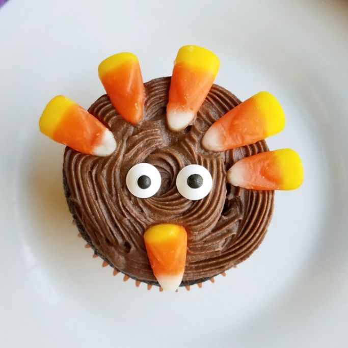 tom the turkey cupcake