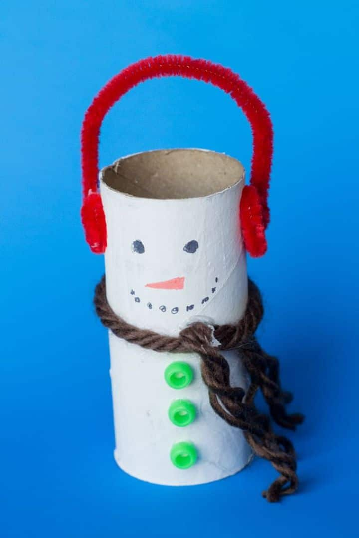 toilet roll snowman craft blue background