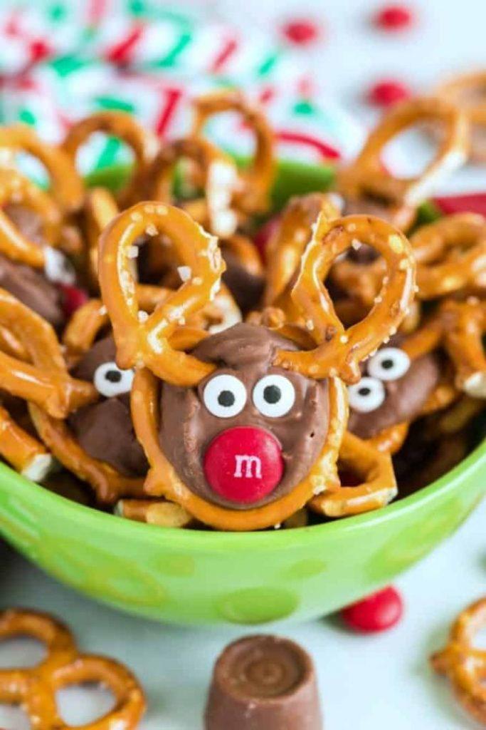 reindeer pretzels