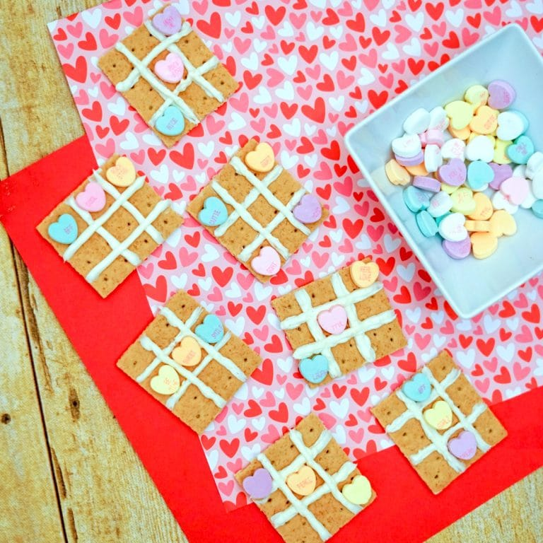Tic Tac Toe Valentine's Day Snack for Kids