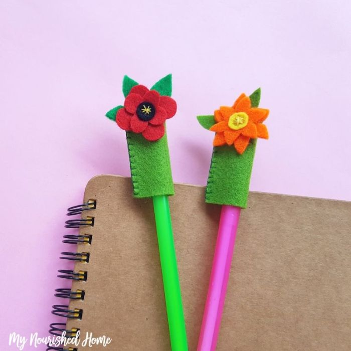 pretty flower pencil toppers
