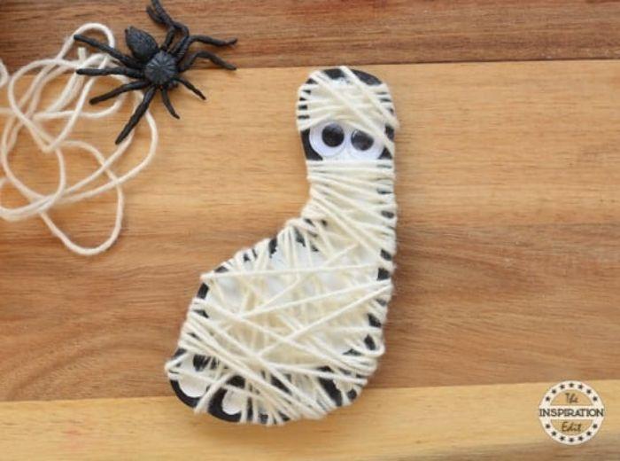footprint mummy