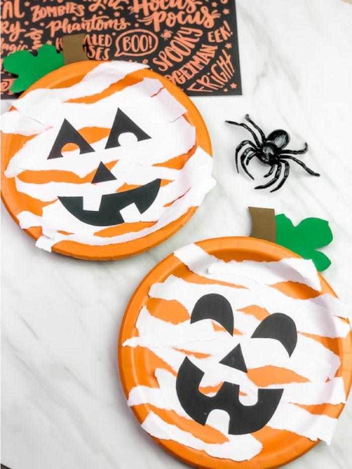paper plate mummy pumpkin