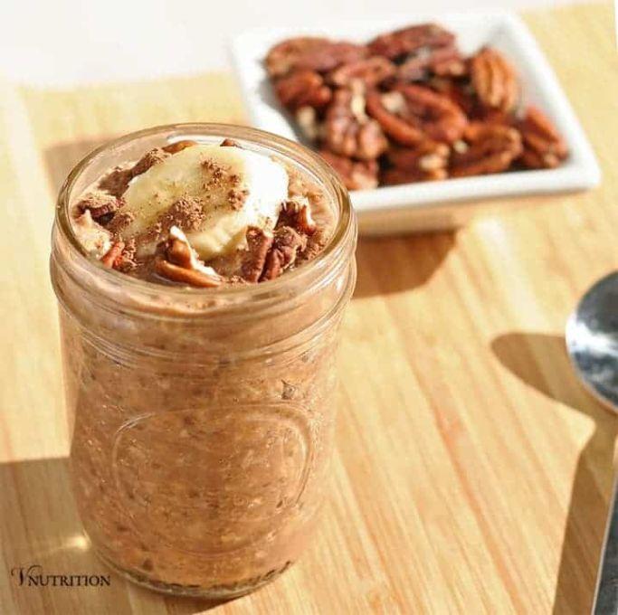 mason jar with peanut butter chocolate overnight oats
