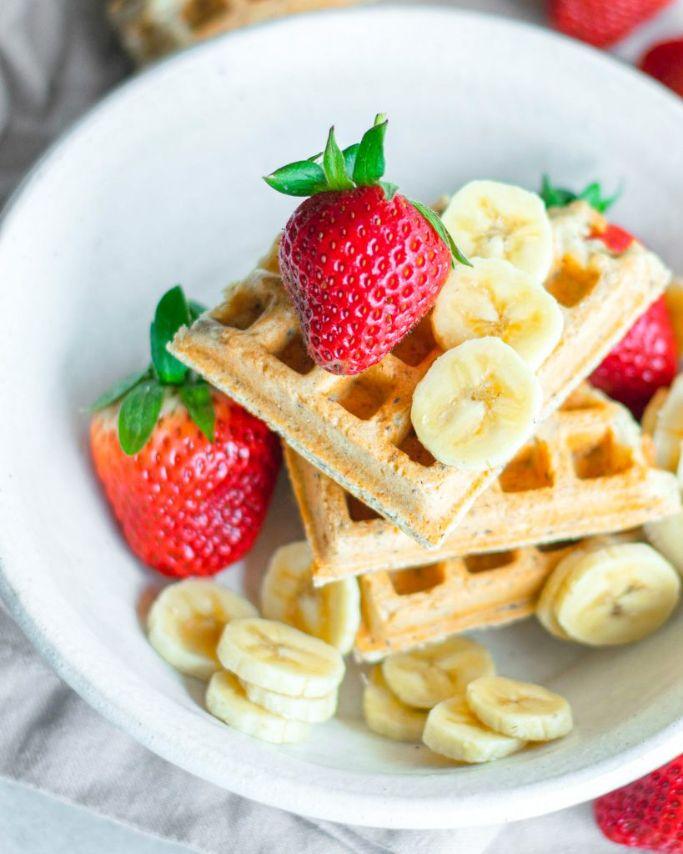 vegan waffles with strawberries and bananas