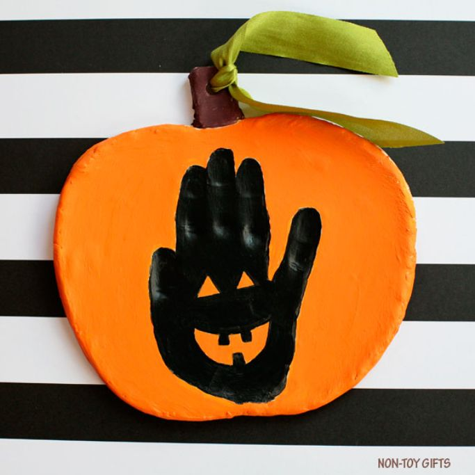 handprint jack-o-lantern by Non-Toy Gifts