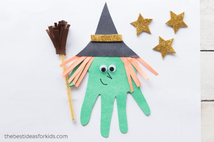 handprint witch by The Best Ideas for Kids