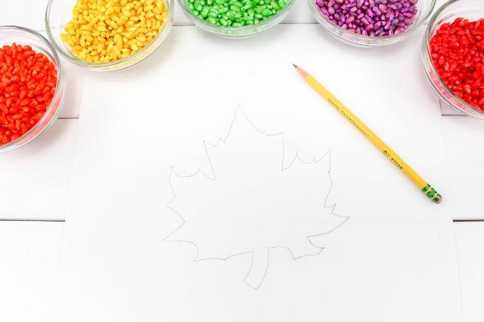 draw a leaf outline