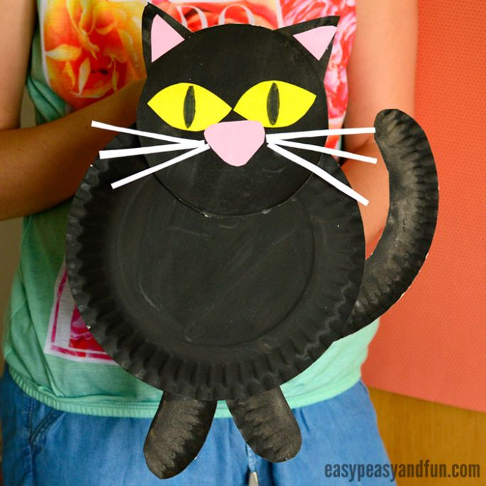 paper plate black cat by Easy Peasy and Fun