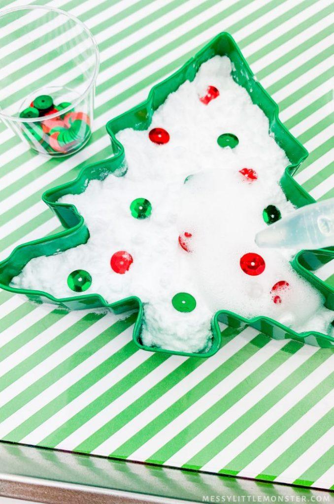 baking soda vinegar christmas tree experiment