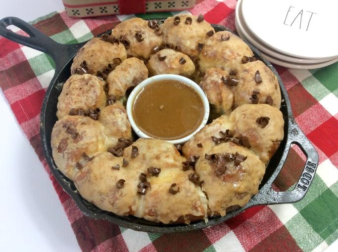yummy eggnog cinnamon rolls for the holidays