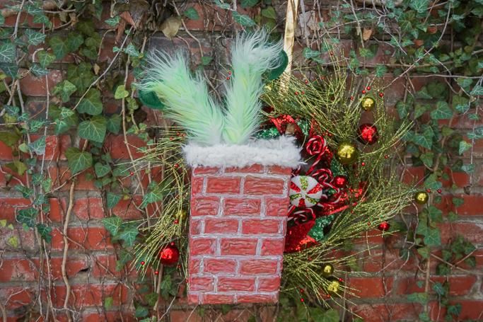 cute Grinch wreath for Christmas