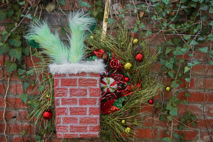 Grinch stuck in the chimney wreath