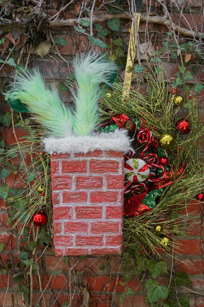 grinch wreath craft 7