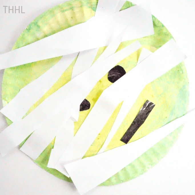 mummy paper plate craft by The Happy Home Life