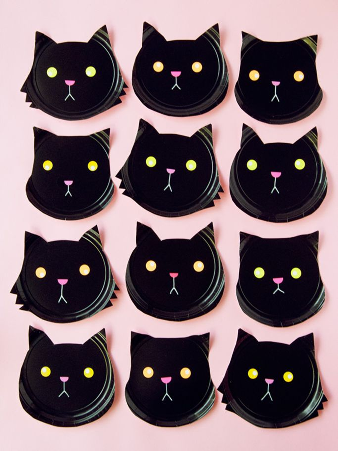 paper plate black cats by Handmade Charlotte
